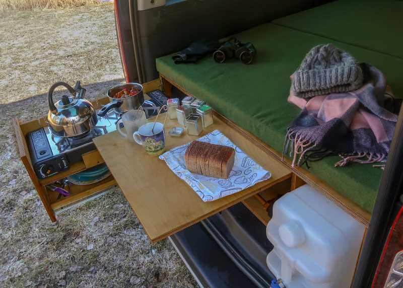 CampingBox mit Küche & Bett